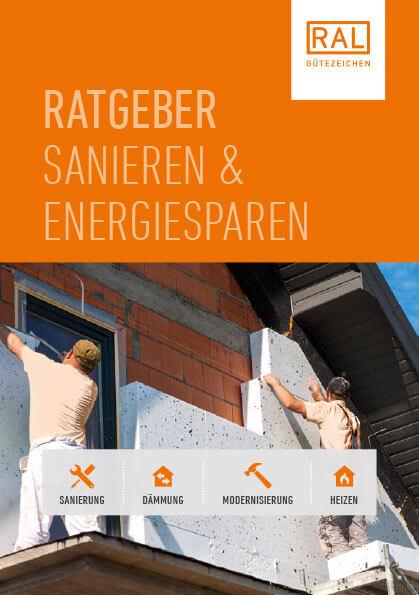 Arbeitende Mauerer sanieren die Außenwand eines Gebäudes / Cover des Ratgebers Sanieren und Energiesparen